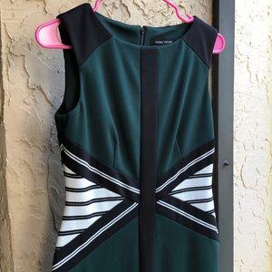 Color Block No Sleeve Dress